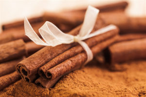 Cinnamon sticks and ground cinnamon